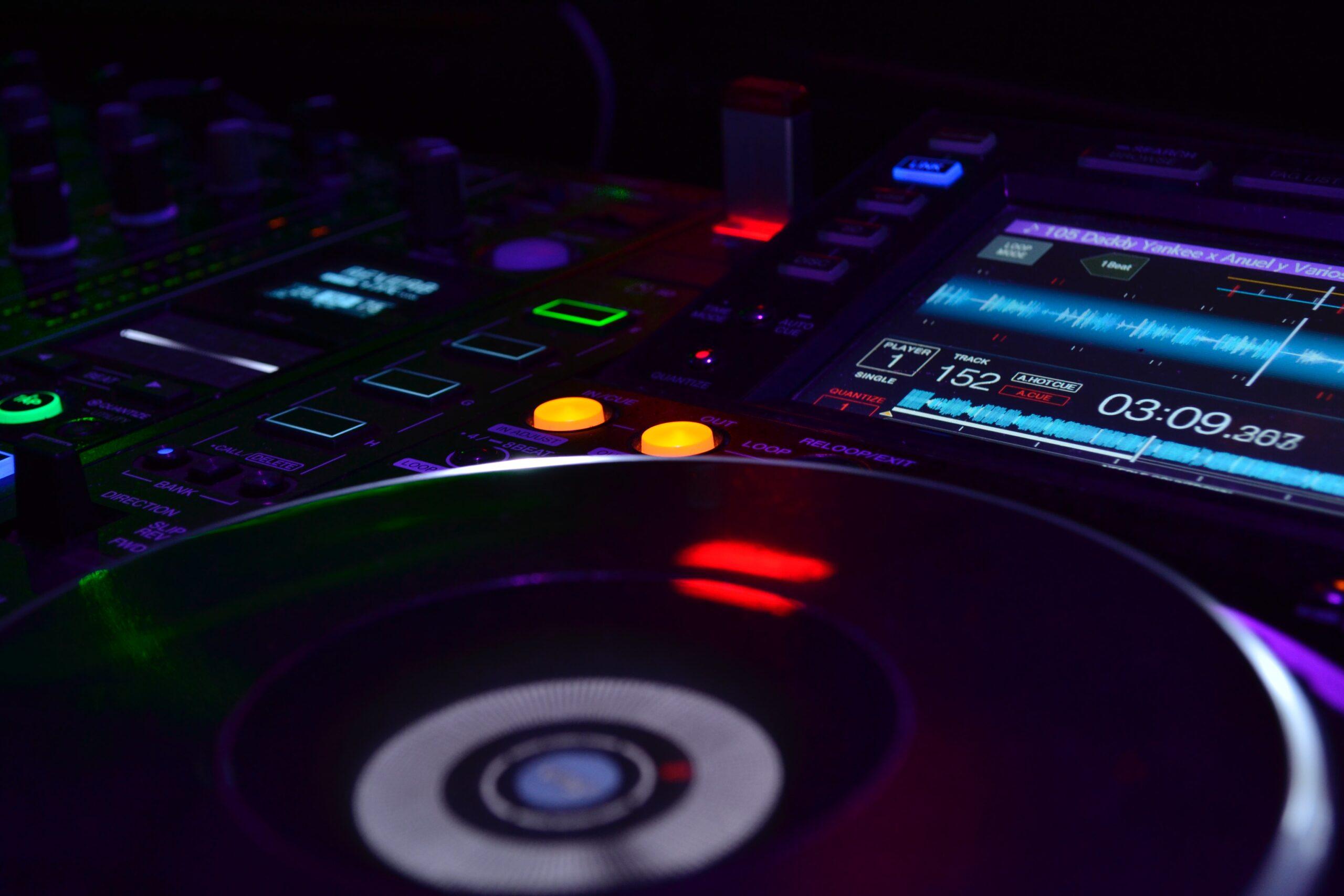 Taller de DJ para Jóvenes